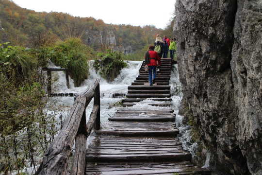 Water flowing over walkway, Plitvice Lakes